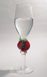 glas  med vätska